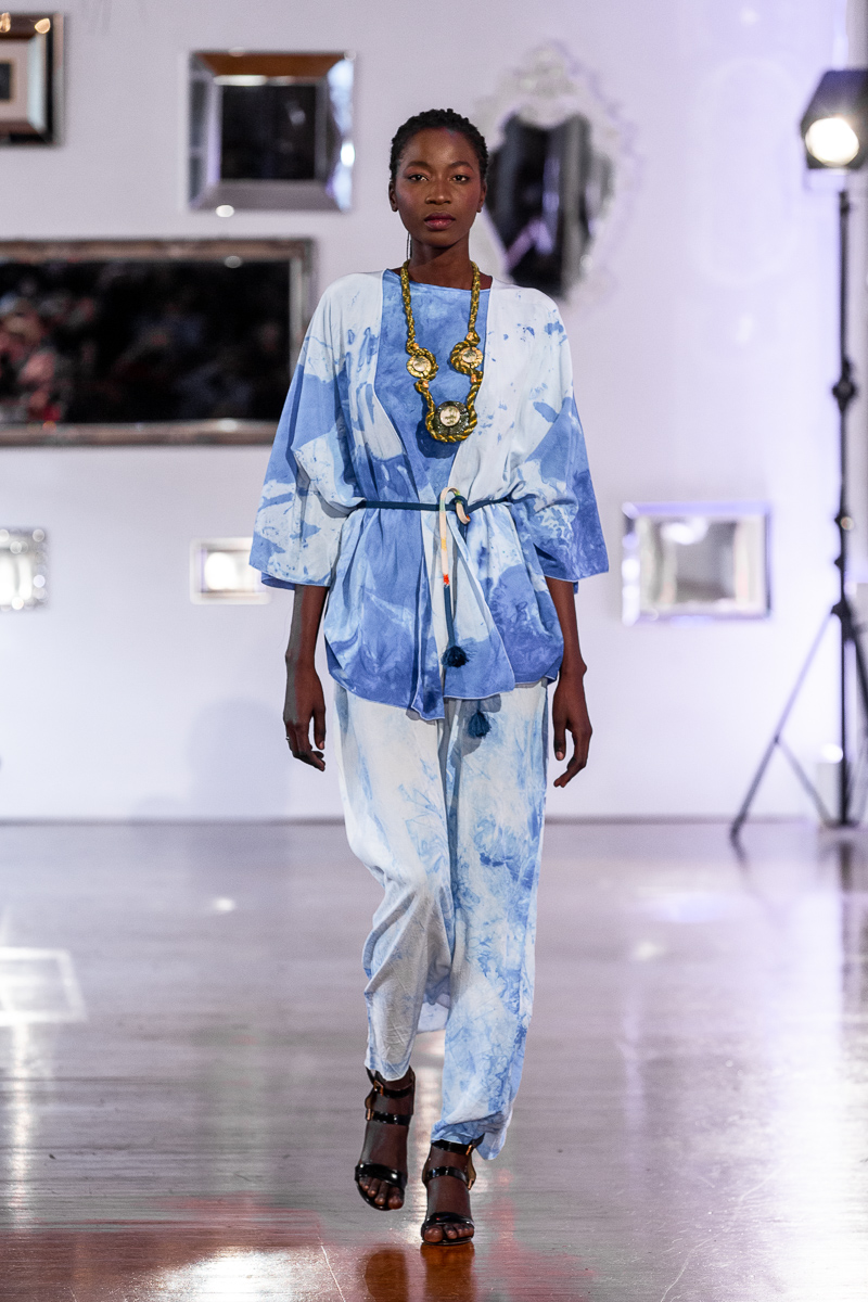 Parisfashion x Satisfashion - Paris Fashion Week 2020 Salon de Mirrors w Paryzu